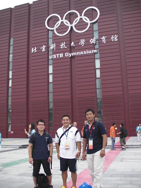 柔道競技会場前にて